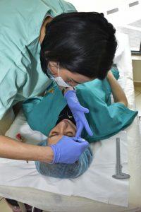 процес на изработка на микроблейдинг на вежди